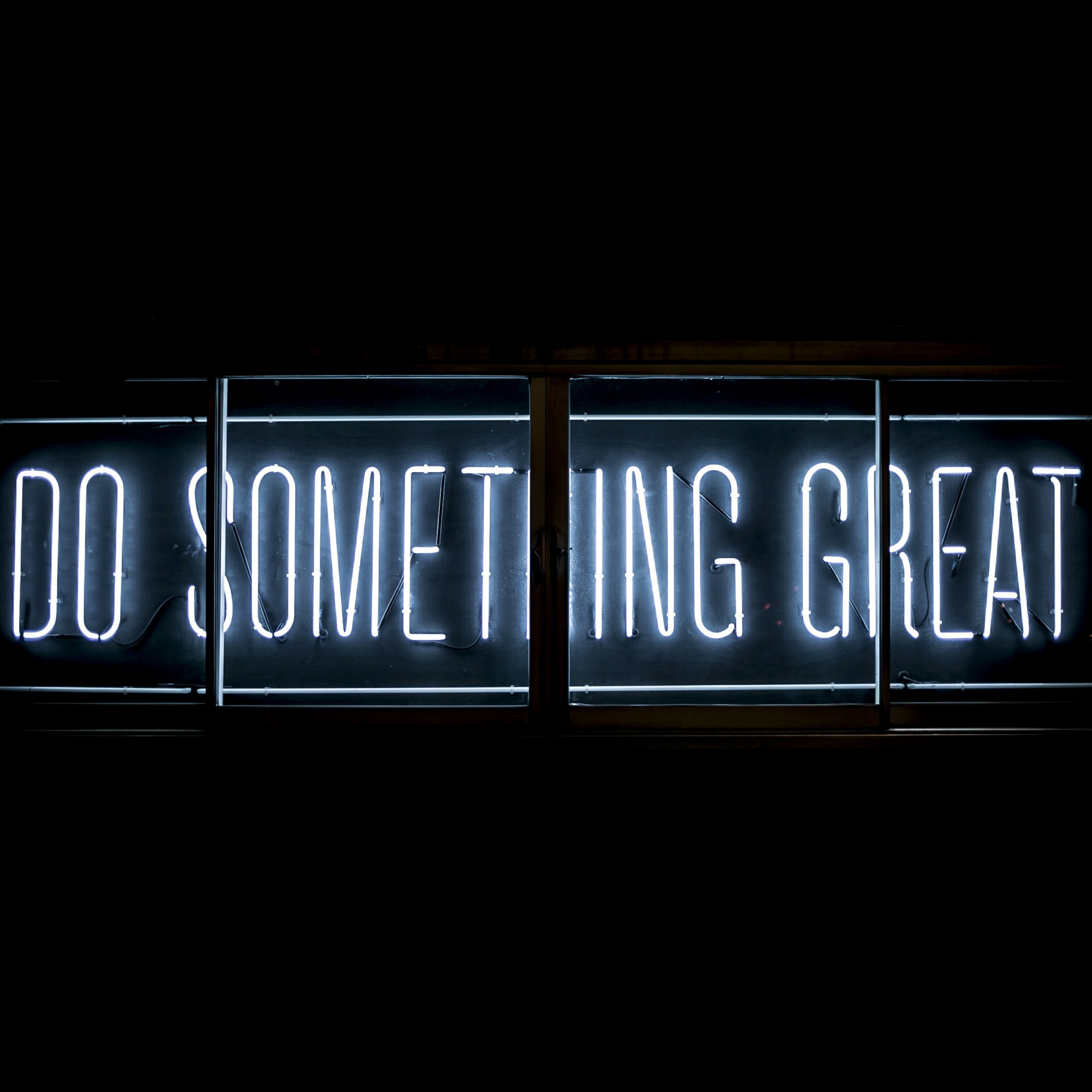 do something great neon glow inspirational quotes black 2560x2560 2230