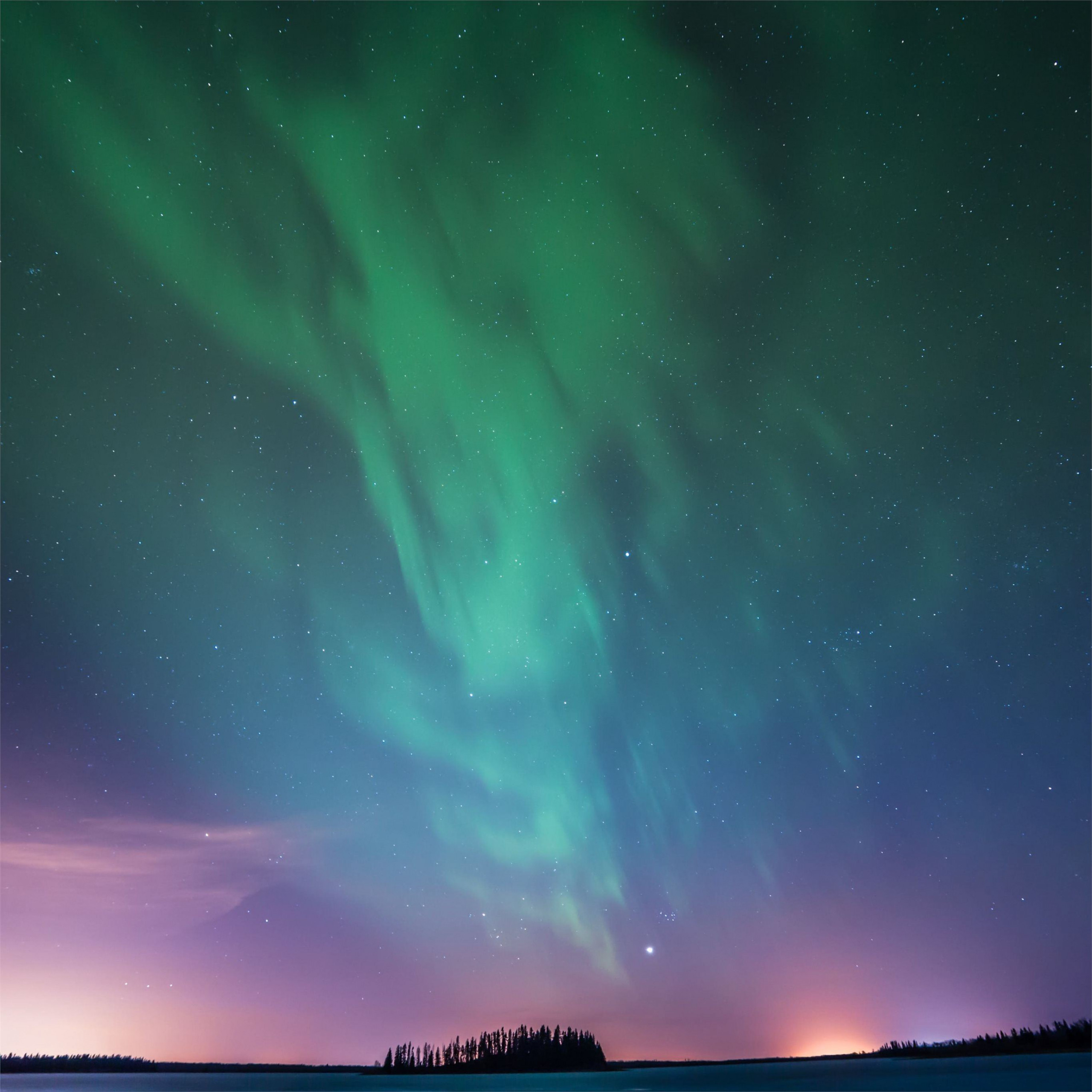 astotin lake northern lights 5k ipad pro wallpaper ilikewallpaper