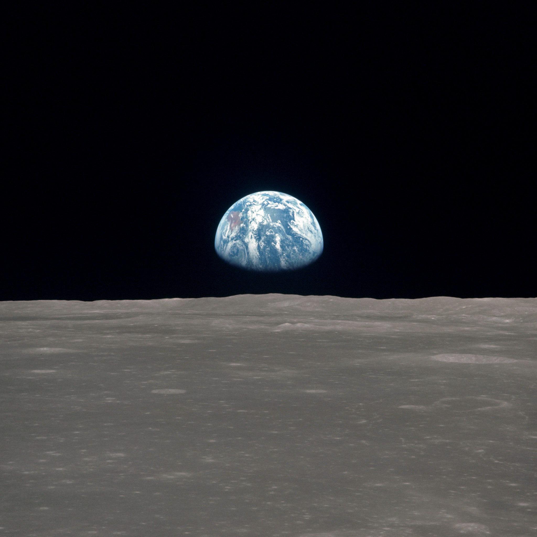 iRhwmJR as11 44 6550 planet earth seen from the