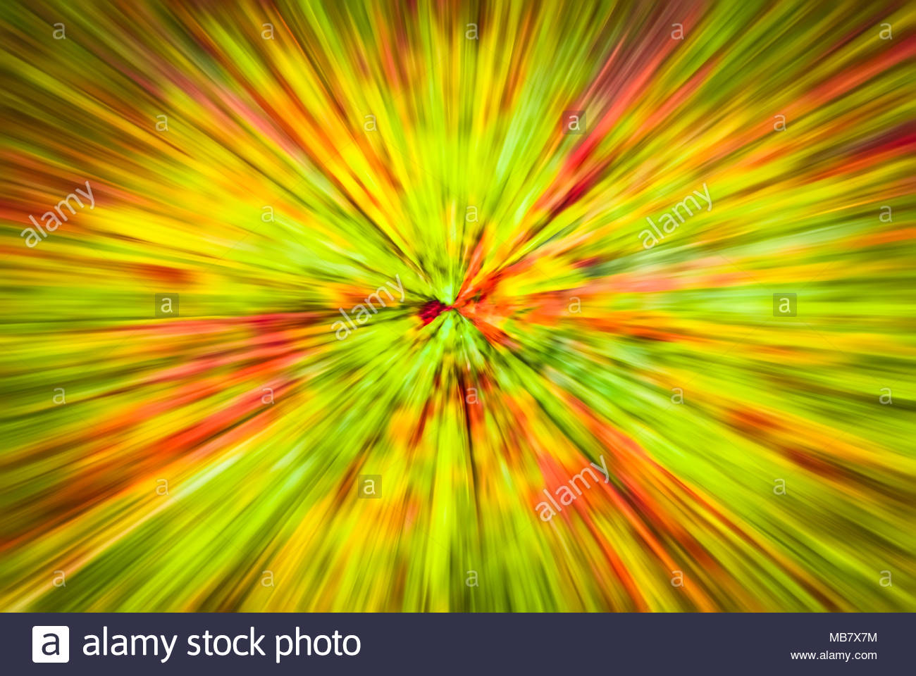 psychedelic hypnotic unrealistic abstract speedy pink greed background motion blur effect zoom motion blur MB7X7M
