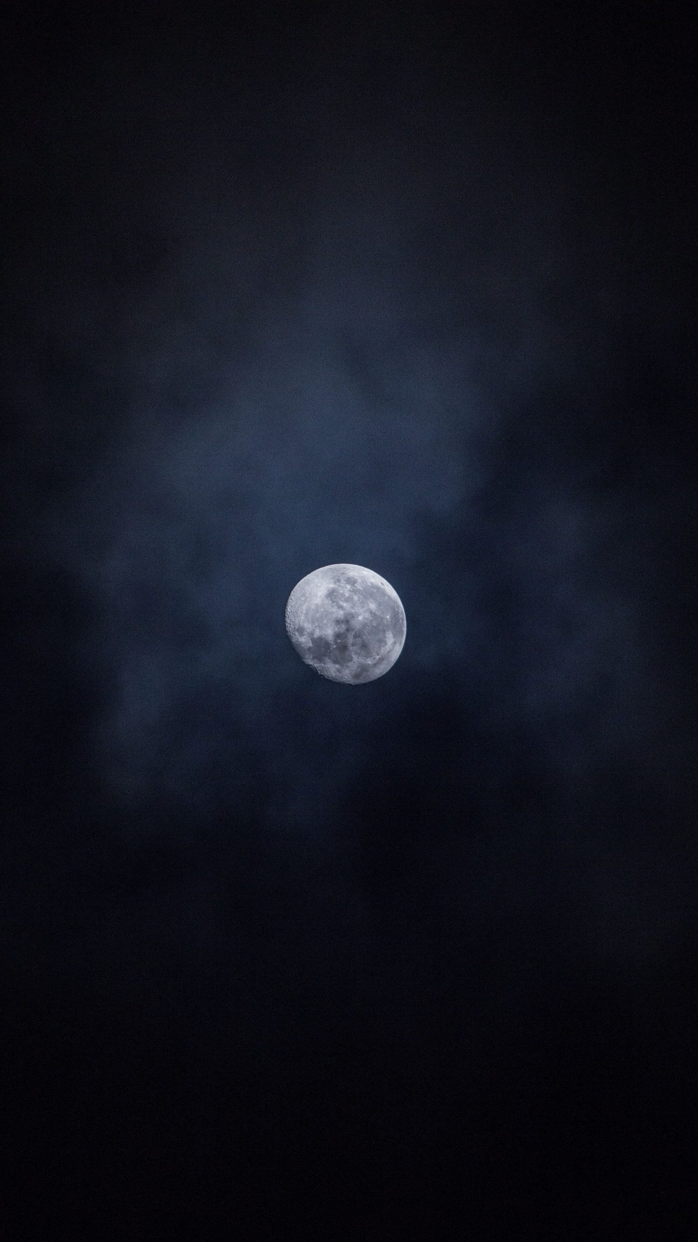 Cloudy Moon Dark Android 4K Amoled Wallpapers Download ⋆ Traxzee